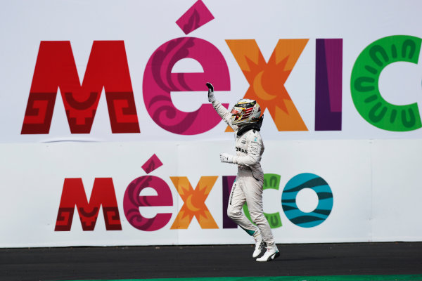 Autodromo Hermanos Rodriguez, Mexico City, Mexico. Sunday 30 October 2016. Lewis Hamilton, Mercedes AMG, 1st Position, celebrates on arrival in Parc Ferme. World Copyright: Sam Bloxham/LAT Photographic ref: Digital Image _SLA5516