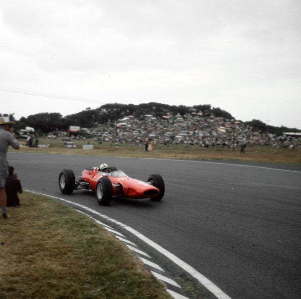 East London, South Africa.30/12/64-1/1/1965.John Surtees (Ferrari 158) 2nd position.Ref-3/1499.World Copyright - LAT Photographic