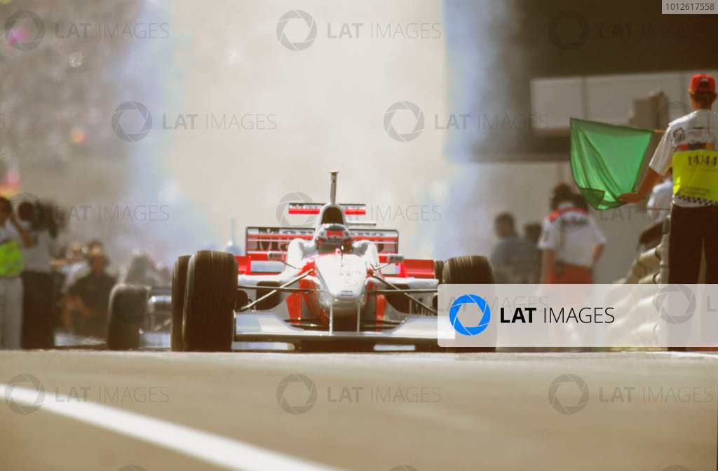 Hungaroring, Budapest, Hungary.9-11 August 1996.Mika Hakkinen (McLaren MP4/11B Mercedes) 4th position.Ref-96 HUN 09.World Copyright - LAT Photographic