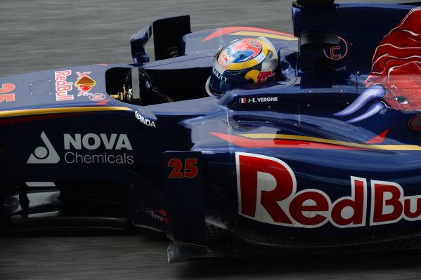 Jean-Eric Vergne (FRA) Scuderia Toro Rosso STR9. Formula One World Championship, Rd2, Malaysian Grand Prix, Practice, Sepang, Malaysia, Friday 28 March 2014.