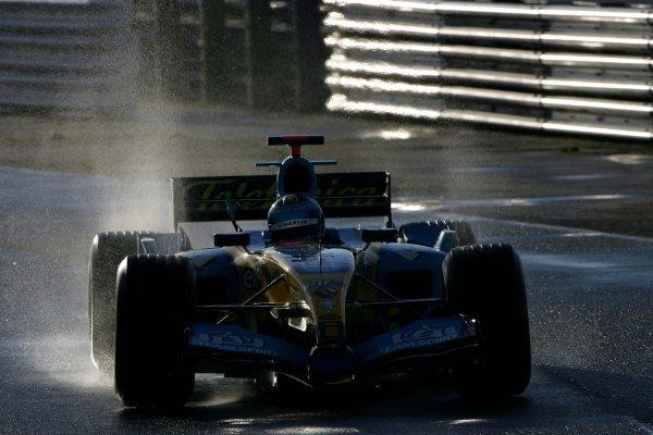 Franck Montagny (FRA) Renault R25.Formula One Testing, Silverstone, England, 21 February 2005.DIGITAL IMAGE