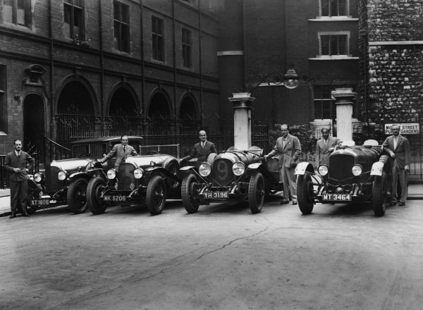 Le Mans, France. 15th - 16th June 1929.The Bentley team in Mount Street Public Gardens, London before they left for Le Mans.World Copyright: LAT Photographic.Ref: Autocar Glass Plate.