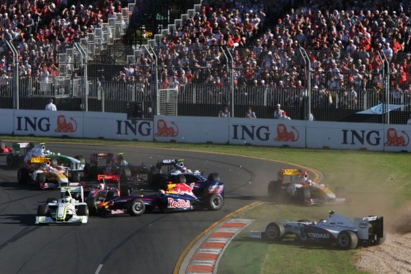 Crash at the start of the race.