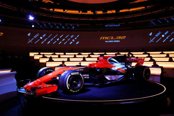 McLaren MCL32 Honda Formula 1 Launch. McLaren Technology Centre, Woking, UK. Friday 24 February 2017. The MCL32 is launched. World Copyright: Steven Tee/LAT Images Ref: _R3I5019