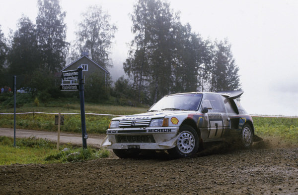1000 Lakes Rally, Finland. 5th - 7th September 1986.Timo Salonen/Seppo Harjanne (Peugeot 205 T16 E2), 1st position, action. World Copyright: LAT PhotographicRef: 86RALLY10