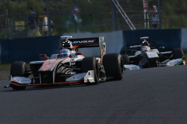 2016 Japanese Super Formula. Okayama, Japan.  Sunday 11 September 2016. Rd 5. Race2 Winner Yuji Kunimoto  ( #2 P.MU/CERUMO · INGING SF14 ) action World Copyright: Yasushi Ishihara/LAT Photographic Ref : 2016SF_Rd5_R2_005