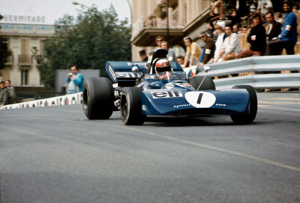 1972 Monaco Grand Prix.  Monte Carlo, Monaco. 11-14th May 1972.  Jackie Stewart, Tyrrell 004 Ford, at the exit of Casino Square.  Ref: 72MON69. World Copyright: LAT Photographic
