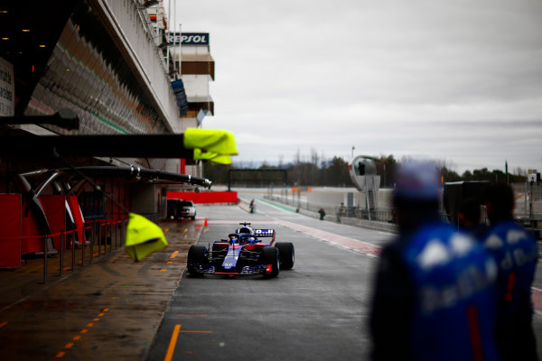 Circuit de Catalunya, Barcelona, Spain. Wednesday 28 February 2018. Brendon Hartley, Toro Rosso STR13 Honda, approaches his pits. World Copyright: Andy Hone/LAT Images ref: Digital Image _ONY9846