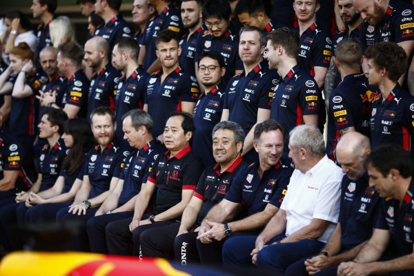 A Red Bull Honda group photo, including Toyoharu Tanabe, F1 Technical Director, Honda, Masashi Yamamoto, General Manager, Honda Motorsport, Christian Horner, Team Principal, Red Bull Racing, Helmut Marko, Consultant, Red Bull Racing and Adrian Newey, Chief Technical Officer, Red Bull Racing