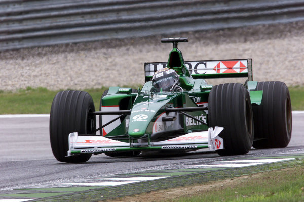 2000 Austrian Grand Prix.A1-Ring, Zeltweg, Austria.14-16 July 2000.Eddie Irvine (Jaguar R1).World Copyright - LAT Photographic