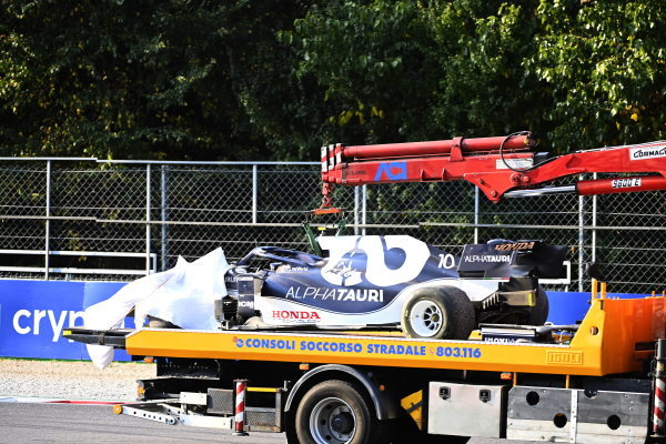 The car of Pierre Gasly, AlphaTauri AT02, is returned to the pits on a truck