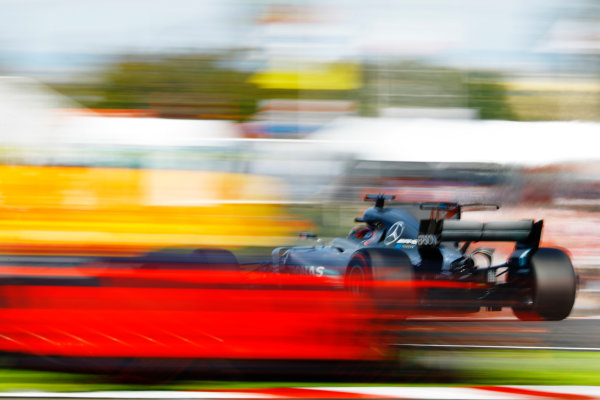 Suzuka Circuit, Japan. Sunday 08 October 2017. Lewis Hamilton, Mercedes F1 W08 EQ Power+, leads Max Verstappen, Red Bull Racing RB13 TAG Heuer. World Copyright: Steven Tee/LAT Images  ref: Digital Image _R3I8022