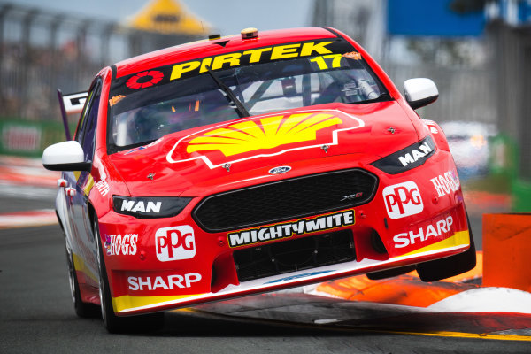 2017 Supercars Championship Round 12.  Gold Coast 600, Surfers Paradise, Queensland, Australia. Friday 20th October to Sunday 22nd October 2017. Scott McLaughlin, Team Penske Ford.  World Copyright: Daniel Kalisz/LAT Images Ref: Digital Image 201017_VASCR12_DKIMG_0261.jpg