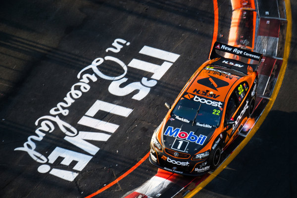 2017 Supercars Championship Round 12.  Gold Coast 600, Surfers Paradise, Queensland, Australia. Friday 20th October to Sunday 22nd October 2017. James Courtney, Walkinshaw Racing.  World Copyright: Daniel Kalisz/LAT Images Ref: Digital Image 201017_VASCR12_DKIMG_1491.jpg