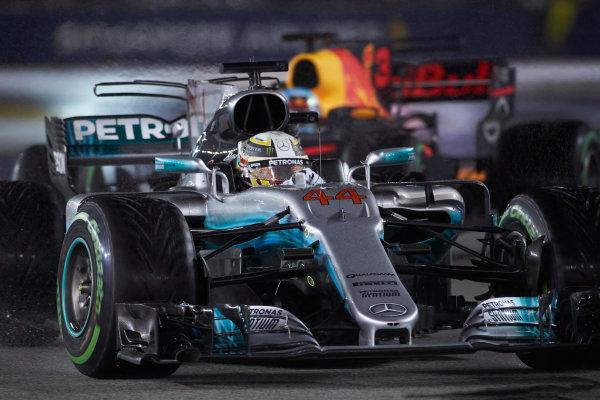 Marina Bay Circuit, Marina Bay, Singapore. Sunday 17 September 2017. Lewis Hamilton, Mercedes F1 W08 EQ Power+. World Copyright: Steve Etherington/LAT Images  ref: Digital Image SNE19006