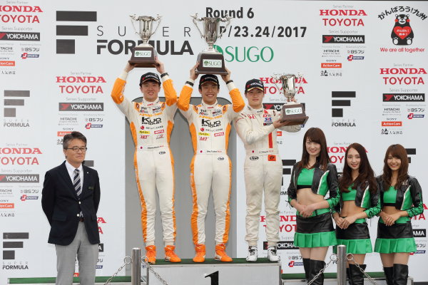 2017 Japanese Formula 3 Championship Sugo, Japan. 23rd - 24th September 2017. Rd 19 & 20. Rd19 Winner Sho Tsuboi ( #1 Corolla Chukyo Kuo TOM?S F317 ) 2nd position Ritomo Miyata ( Corolla Chukyo Kuo TOM?S F314 ) 3rd position Sena Sakaguchi ( #7 HFDP RACING ) podium portrait World Copyright: Yasushi Ishihara / LAT Images. Ref: 2017_JF3_R19&20_006