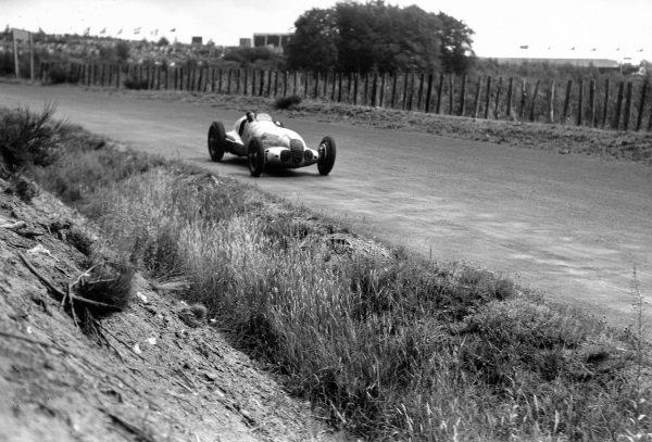Nurburgring, Germany. 25 July 1937.  Manfred von Brauchitsch, Mercedes-Benz W125, 2nd position.  Ref: RF37_GER_12. World Copyright: Robert Fellowes/LAT Photographic