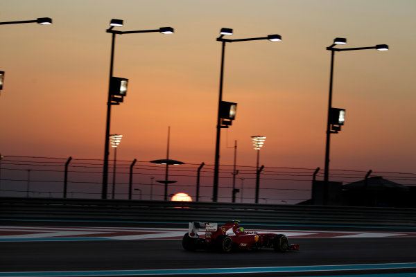 Yas Marina Circuit, Abu Dhabi, United Arab Emirates12th November 2011.Felipe Massa, Ferrari 150° Italia. Action. World Copyright:Glenn Dunbar/LAT Photographic ref: Digital Image _G7C4479