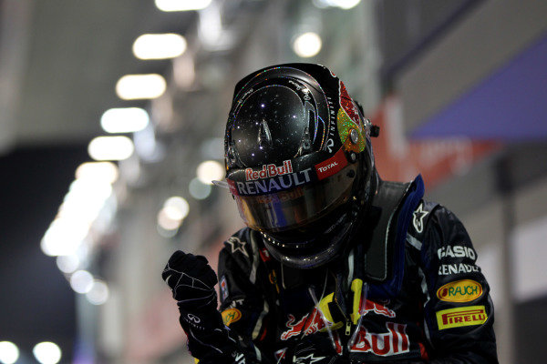 Marina Bay Circuit, Singapore23rd September 2012Sebastian Vettel, Red Bull Racing, 1st position, celebrates in Parc Ferme.World Copyright: Andy Hone/LAT Photographicref: Digital Image HONY9430