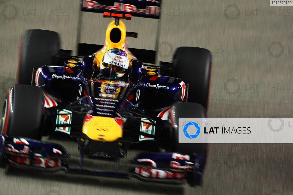 Marina Bay Circuit, Singapore.24th September 2011.Sebastian Vettel, Red Bull Racing RB7 Renault. Action. World Copyright: Andy Hone/LAT Photographicref: Digital Image CSP28486