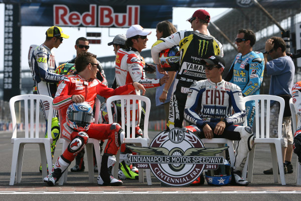 Indianapolis Grand Prix, Indianapolis, USA.28th - 30th August 2009.MotoGP riders catch up before the offical Brickyard photo.World Copyright: Martin Heath/LAT Photographic ref: Digital Image SE5K4190