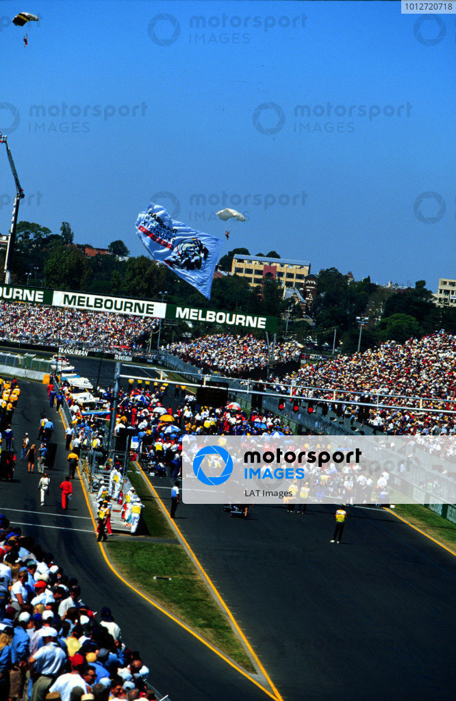 1996 Australian Grand Prix.Albert Park, Melbourne, Australia.8-10 March 1996.The grid before the start.World Copyright - LAT Photographic