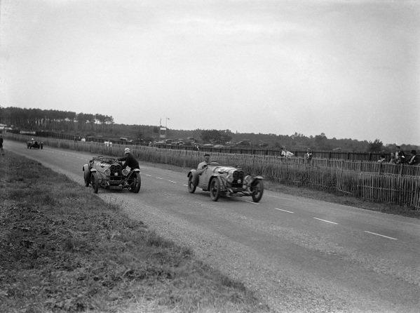 Just-Emile Vernet / Fernand Vallon, Y. Giraud-Cabantous, Caban Spéciale, passes Roger Labric / Yves Giraud-Cabantous, Y. Giraud-Cabantous, Caban Spéciale.