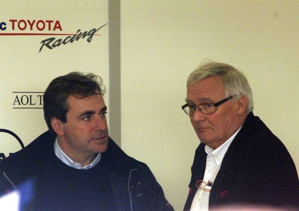 2002 Formula One TestingCircuit De Catalunya, Spain. 7th - 10th January 2001.Ex Toyota World Rally driver Carlos Sainz chats with Ove Andersson, portrait.World Copyright: Steve Etherington/LAT Photographicref: 8 5mb Digital Image Only