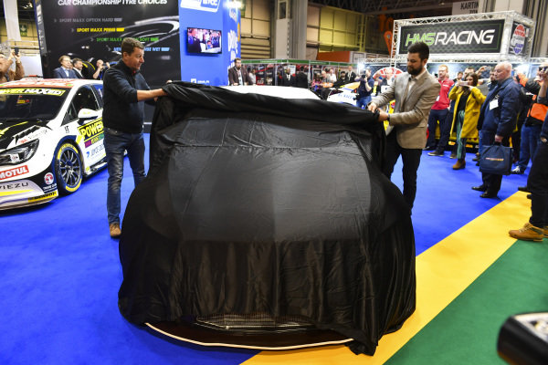 Dan Rowbottom launches his Mercedes BTCC car.