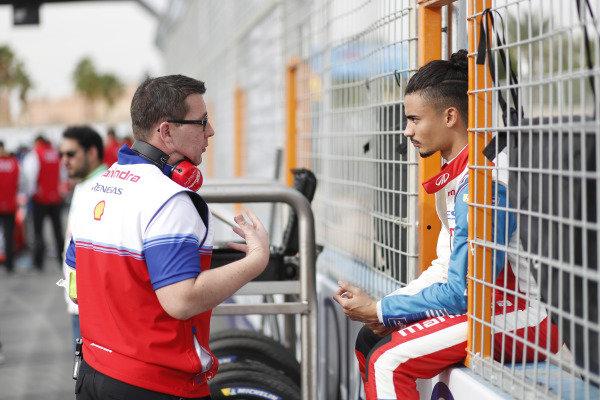 Pascal Wehrlein (DEU), Mahindra Racing, on the grid