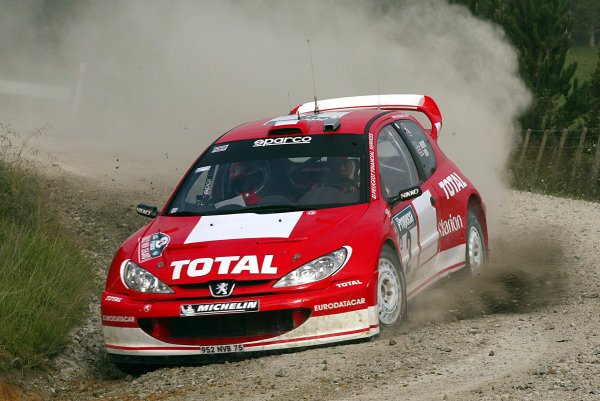 2003 FIA World Rally Champs. Round Four, New Zealand, 10th - 13th April 2003 Richard Burns, Peugeot, action. World Copyright: McKlein/LAT