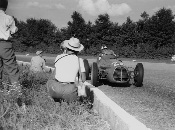 1952 Italian Grand Prix.Monza, Italy. 7 September 1952.Felice Bonetto (Maserati A6GCM), 5th position. Ref-52/41#27A.World Copyright - LAT Photographic