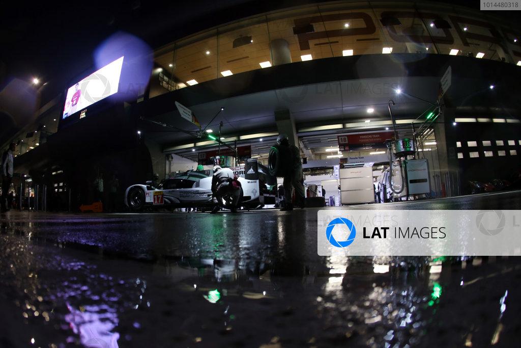 2015 FIA World Endurance Championship, Shanghai, China, 30th October - 1st November 2015, Timo Bernhard / Mark Webber / Brendon Hartley Porsche Team Porsche 919 Hybrid  World copyright. Jakob Ebrey/LAT Photographic
