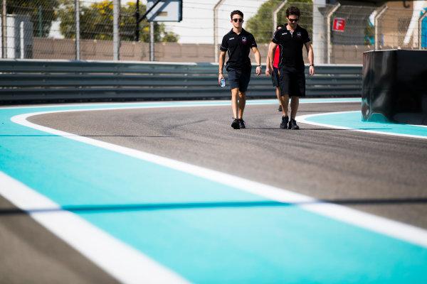 2017 FIA Formula 2 Round 11. Yas Marina Circuit, Abu Dhabi, United Arab Emirates. Thursday 23 November 2017. Nyck De Vries (NED, Racing Engineering).  Photo: Sam Bloxham/FIA Formula 2. ref: Digital Image _J6I0900