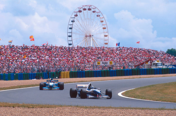 Magny-Cours, France.30/6-2/7 1995.Damon Hill (Williams FW17 Renault) followed by Michael Schumacher (Benetton B195 Renault). Ref-95 FRA 07.World Copyright - LAT Photographic