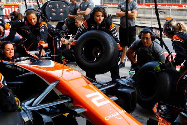 Red Bull Ring, Spielberg, Austria. Thursday 06 July 2017. The McLaren team organise an all-female pit stop. World Copyright: Steven Tee/LAT Images ref: Digital Image _O3I4935
