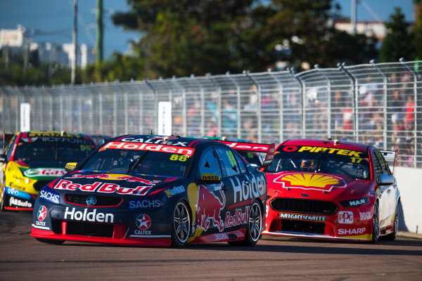 2017 Supercars Championship Round 7.  Townsville 400, Reid Park, Townsville, Queensland, Australia. Friday 7th July to Sunday 9th July 2017. Jamie Whincup drives the #88 Red Bull Holden Racing Team Holden Commodore VF. World Copyright: Daniel Kalisz/ LAT Images Ref: Digital Image 080717_VASCR7_DKIMG_4074.jpg