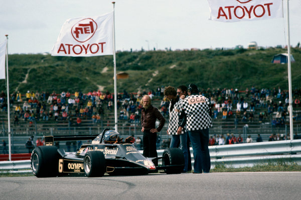 Zandvoort, Holland. 25-27 August 1978. Ronnie Peterson (Lotus 79-Ford), 2nd position, action.  World Copyright: LAT Photographic. Ref: 78HOL29