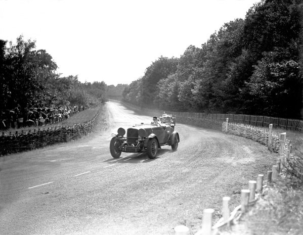 1933 Le Mans 24 hours.Le Mans, France. 17th - 18th June 1933.Prince Nicolas de Roumanie/Joseph Cattaneo, (Duesenberg Model J), disqualified, refuelling to early in the race, action.World Copyright: LAT Photographic.ref: