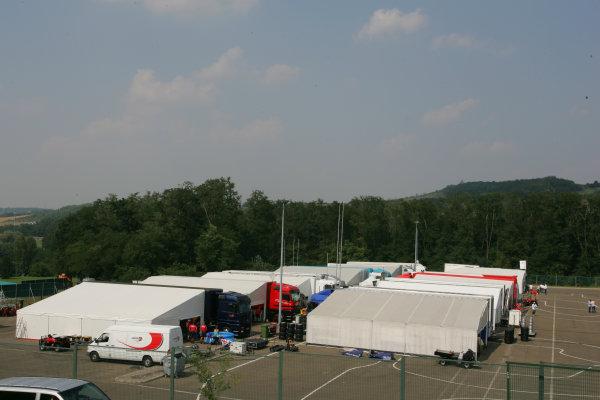 2005 GP2 Series - HungaryHungaroring, Budapest28th - 31st July 2005Thursdaythe GP2 PaddockCopyright: GP2 Series Media Service ref: Digital Image Only