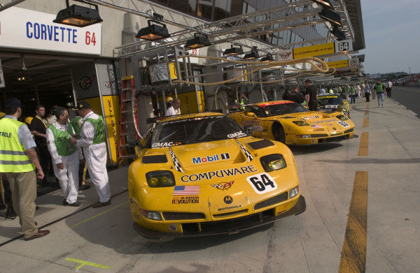 2004 Le Mans 24 HoursLe Mans France. 6th June 2004Gavin/Beretta/Magnussen (Corvette Racing Chevrolet Corvette C5-R) on display in the pits.World Copyright: Lewis Houghton/LAT Photographic ref: Digital Image Only/Hi res Raw available