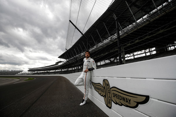 Verizon IndyCar Series Fernando Alonso Test for Indianapolis 500 Indianapolis Motor Speedway, Indianapolis, IN USA Tuesday 2 May 2017 Fernando Alonso contemplates his Indianapolis 500 debut. World Copyright: Michael L. Levitt LAT Images