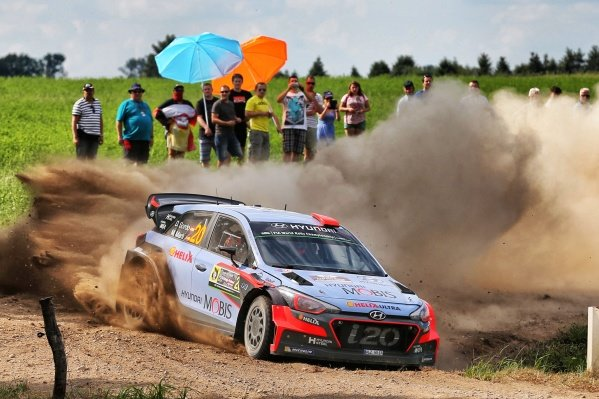 Dani Sordo (ESP) / Marc Marti (ESP), Hyundai Motorsport New Generation i20 WRC at FIA World Rally Championship, Rd7, Rally Poland, Day One, Mikolajki, Poland, 1 July 2016.