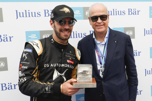 Jean-Eric Vergne (FRA), DS TECHEETAH, with the pole position award