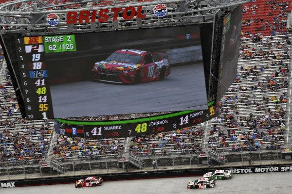 #18: Kyle Busch, Joe Gibbs Racing, Toyota Camry Snickers