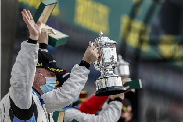 #18 Era Motorsport ORECA LMP2 07, LMP2: Kyle Tilley, Dwight Merriman, Paul-Loup Chatin, Ryan Dalziel trophy, victory lane