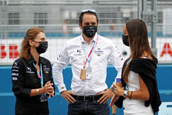 DS Techeetah team members in the pit lane