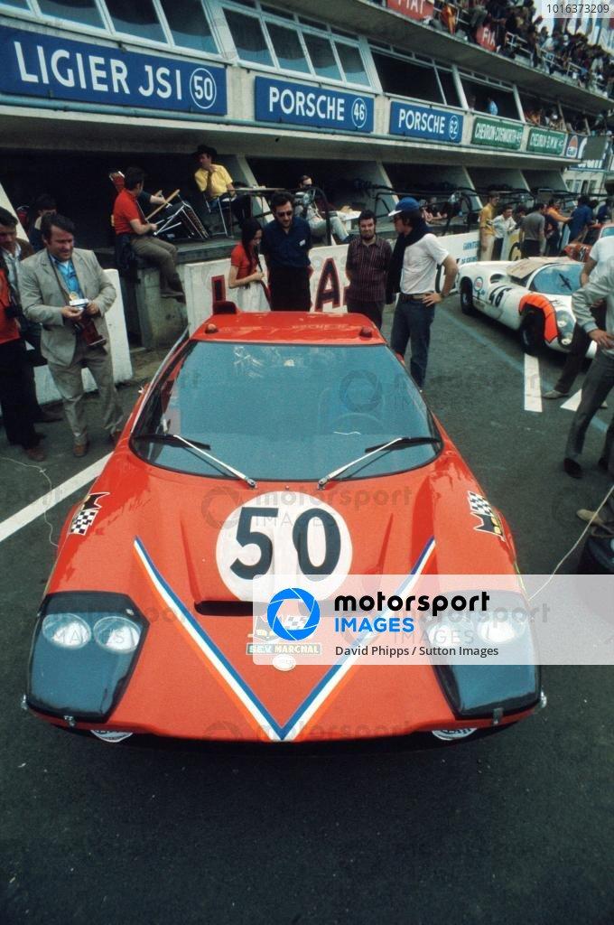 The Ligier JS1 Ford of Guy Ligier (FRA) / Jean-Claude Andruet (FRA) sits in the pits before the race. Le Mans 24 Hours, Le Mans, France, 13-14 June 1970.
