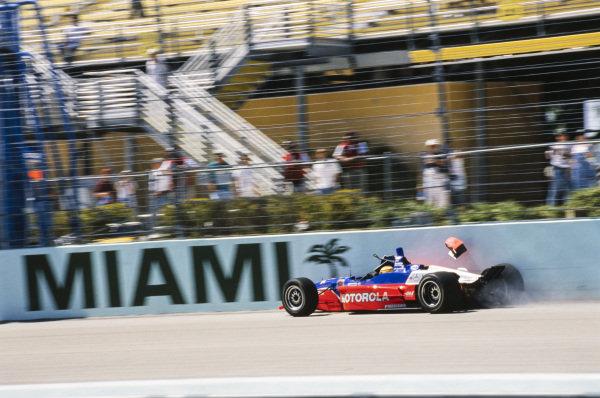 Mark Blundell, PacWest Racing, Reynard 2KI Mercedes, crashes into the wall.
