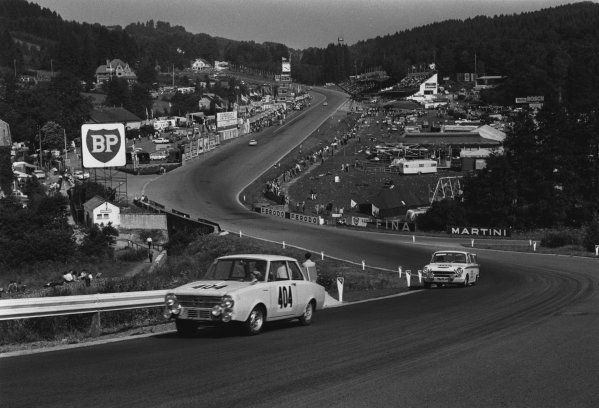 1964 Spa 24 hours. Spa-Francorchamps, Belgium. 25th - 26th July 1964. Gerhard Bodmer / Dieter Schmid (Glas 1204 TS), 8th position, leads Kelly / Ted Lund / Alan Mann (Ford Lotus Cortina), 9th position, action.  World Copyright: LAT Photographic.  Ref:  L64 - 242 - 8.